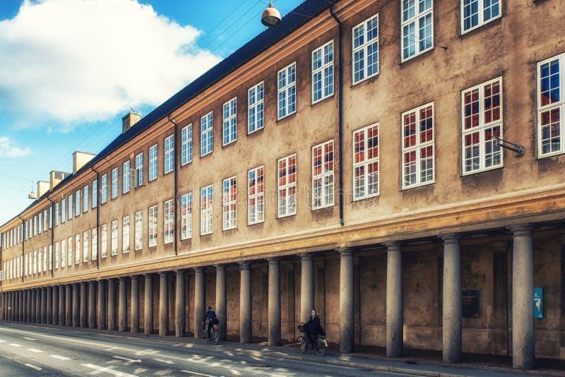 Колоннада вне датского Национального музея, Копенгаген, Denmar стоковое фото rf
