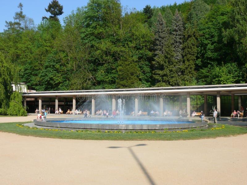 Колоннада Luhacovice - ovice  LuhaÄ фонтана стоковое фото