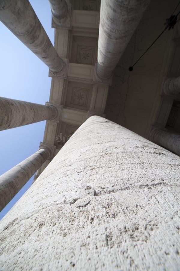 колоннада vatican стоковые изображения rf