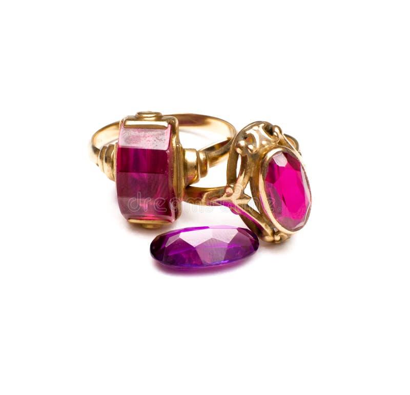 Кольца золота с драгоценной камнем стоковые изображения rf