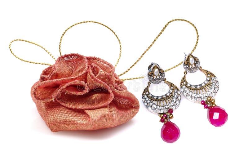 кольца мешка jewellery подарка уха диаманта стоковые изображения rf