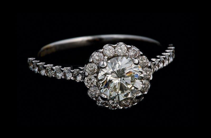 кольцо диамантов стоковые изображения