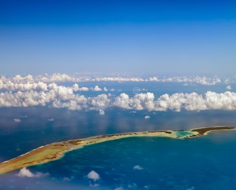 Кольцо atoll в океане. Полинезия. стоковые изображения