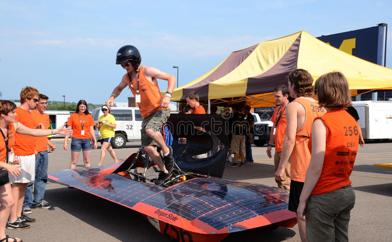 Команда автомобиля государственного университета Орегона солнечная стоковые изображения
