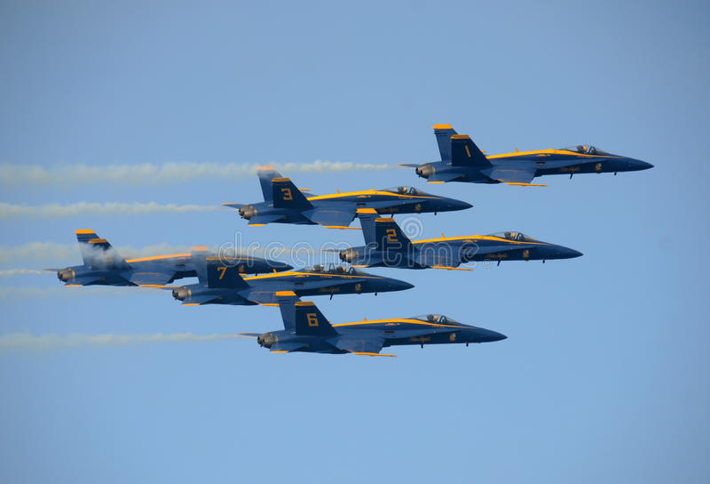 Команда голубых ангелов военно-морского флота США aerobatic стоковые фото