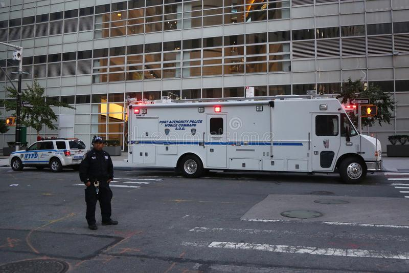 Команда s полиции управления порта передвижная O d около места преступления теракта в более низком Манхаттане стоковые изображения