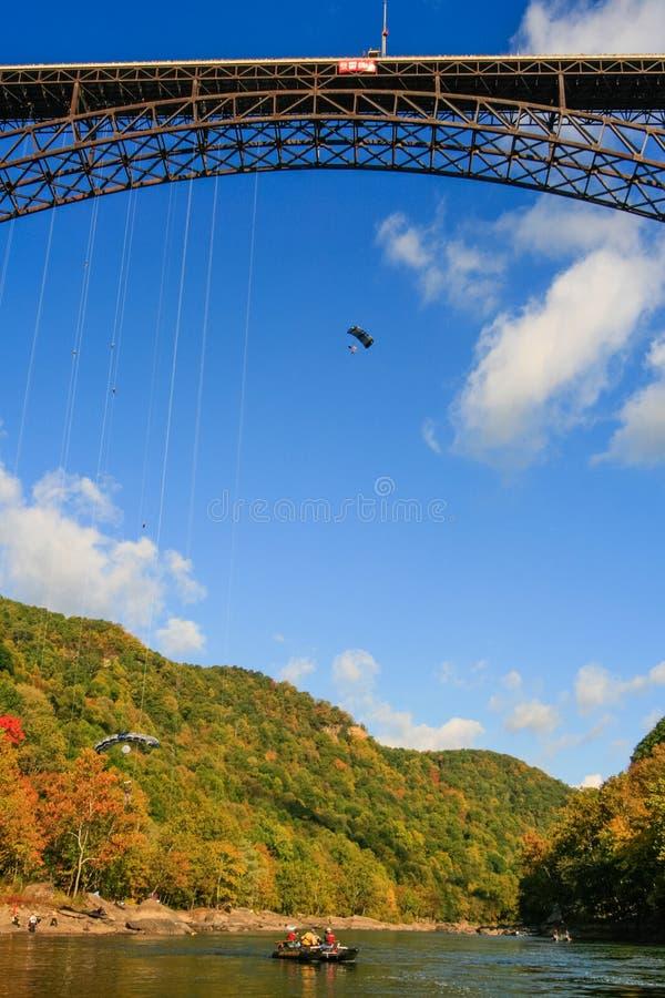 Команда безопасности моста ущелья нового реки дня моста стоковая фотография