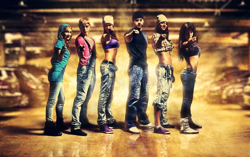 команда влияния танцора контраста цветов стоковые фото