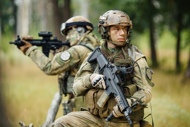 Команда солдат рекогносцировка стоковое фото