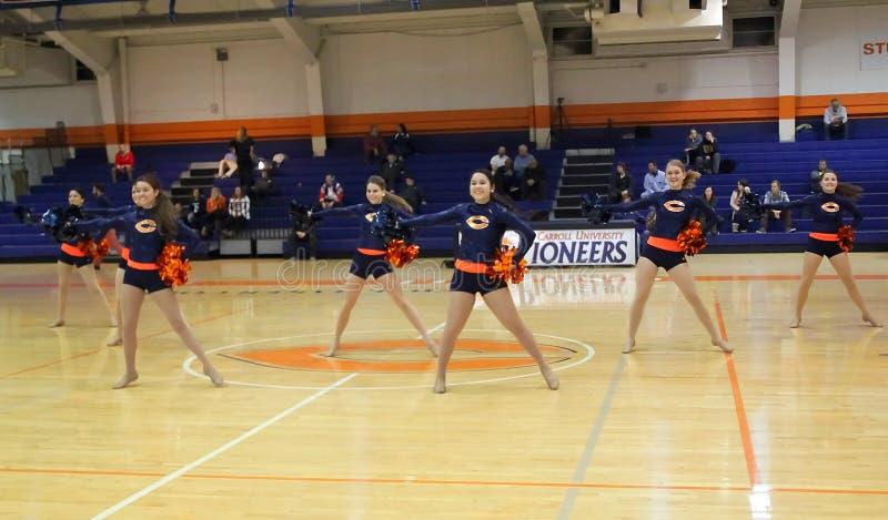 Команда танцев Pom университета Кэрролла стоковое фото