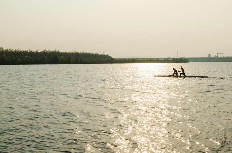 Команда Rowers в тренировке стоковые изображения rf