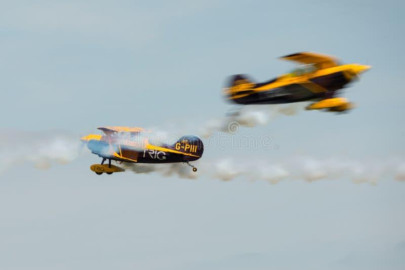 Download Команда Trig пилотажная редакционное фото. изображение насчитывающей выставка - 40576621