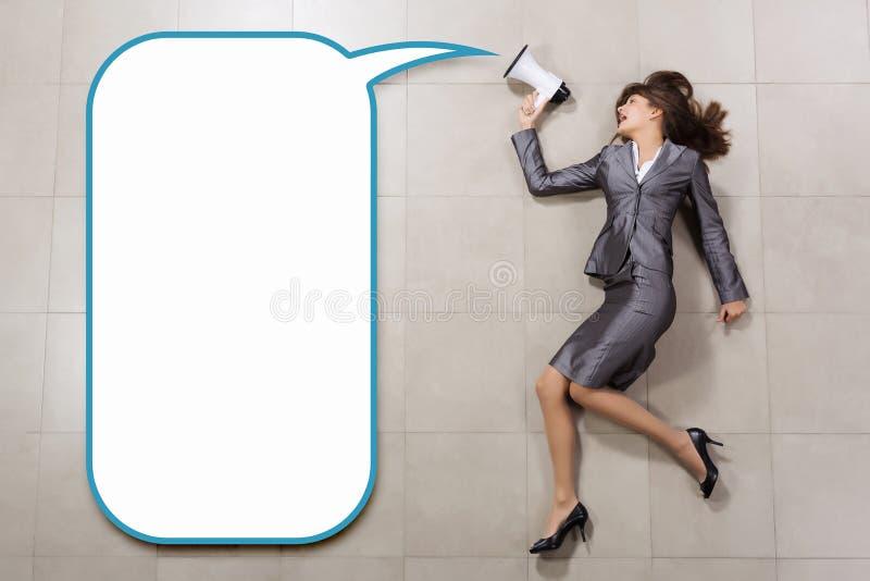 Download Коммерсантка с мегафоном стоковое изображение. изображение насчитывающей коммерсантка - 41651011