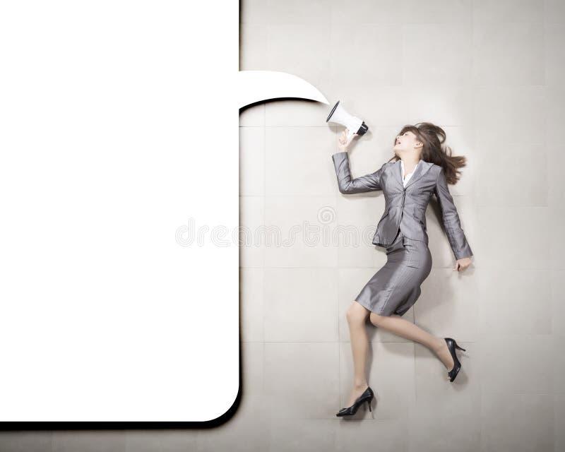 Download Коммерсантка с мегафоном стоковое фото. изображение насчитывающей громко - 41652552