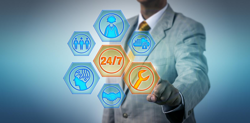 Коммерческий директор активируя 24/7 управляемые обслуживания стоковые изображения rf