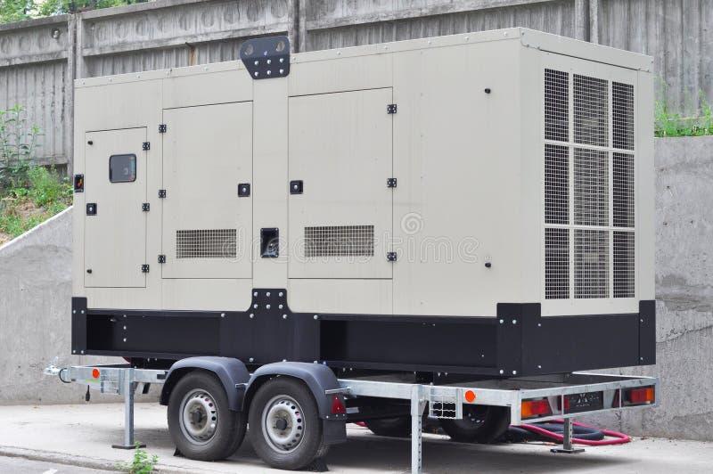Коммерчески резервный генератор Резервный генератор резервная электрическая система которая работает автоматически стоковое фото