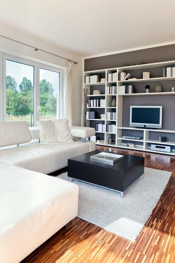комната дома живя самомоднейшая стоковое изображение rf