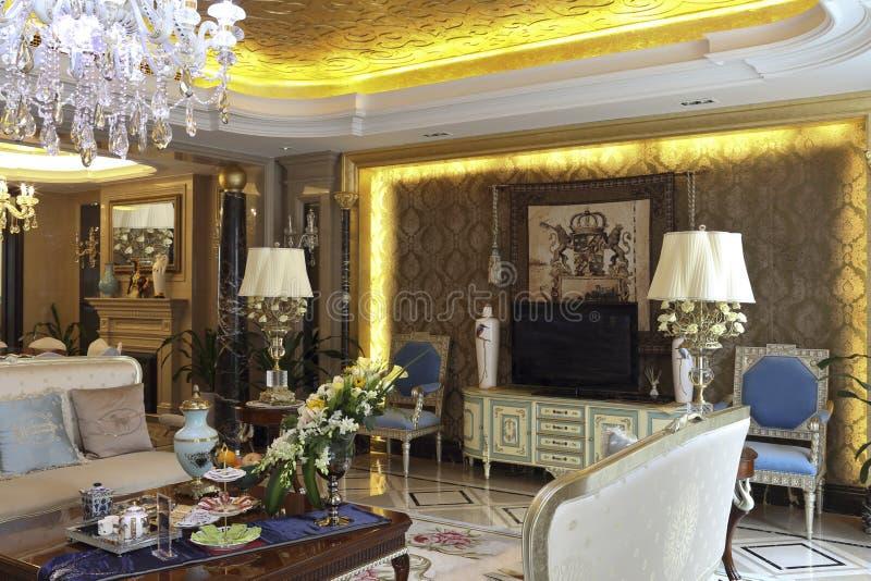 комната Европейск-стиля роскошная живущая стоковая фотография