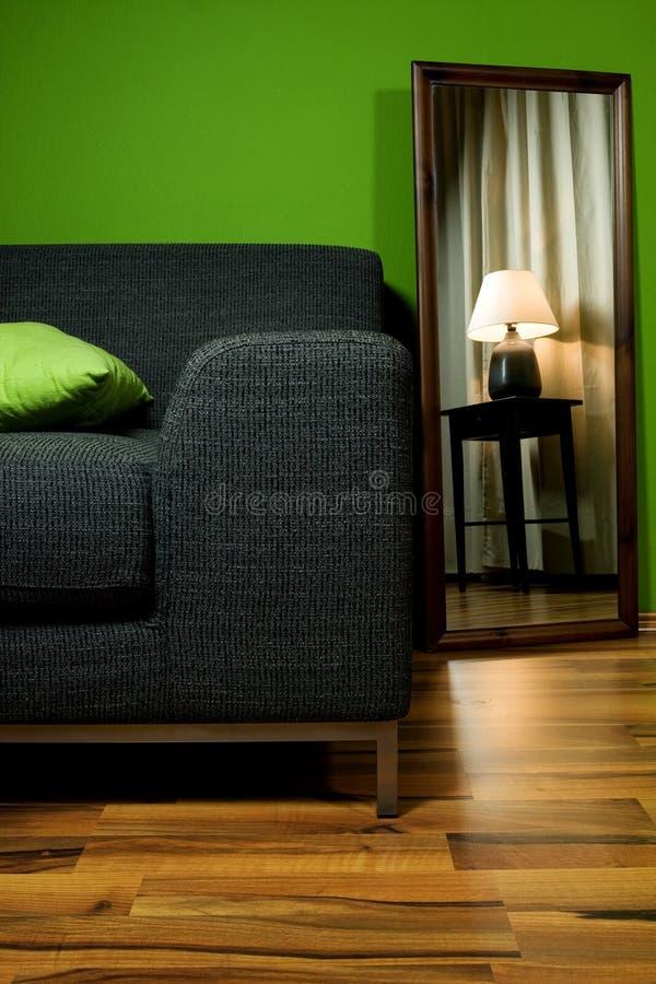 комната зеркала салона светильника кресла зеленая стоковое фото rf