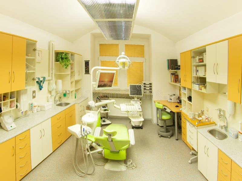 комната зубоврачебного рассмотрения клиники стоковые изображения