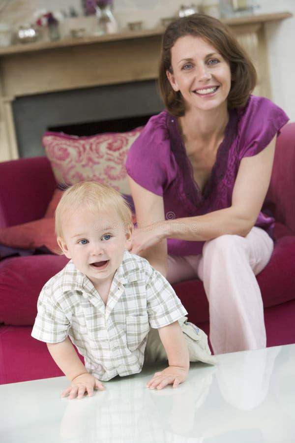 комната мати младенца живущая стоковые изображения