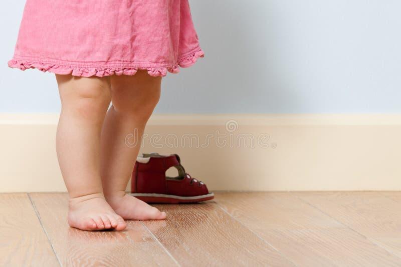 комната ног младенца милая стоковые изображения rf