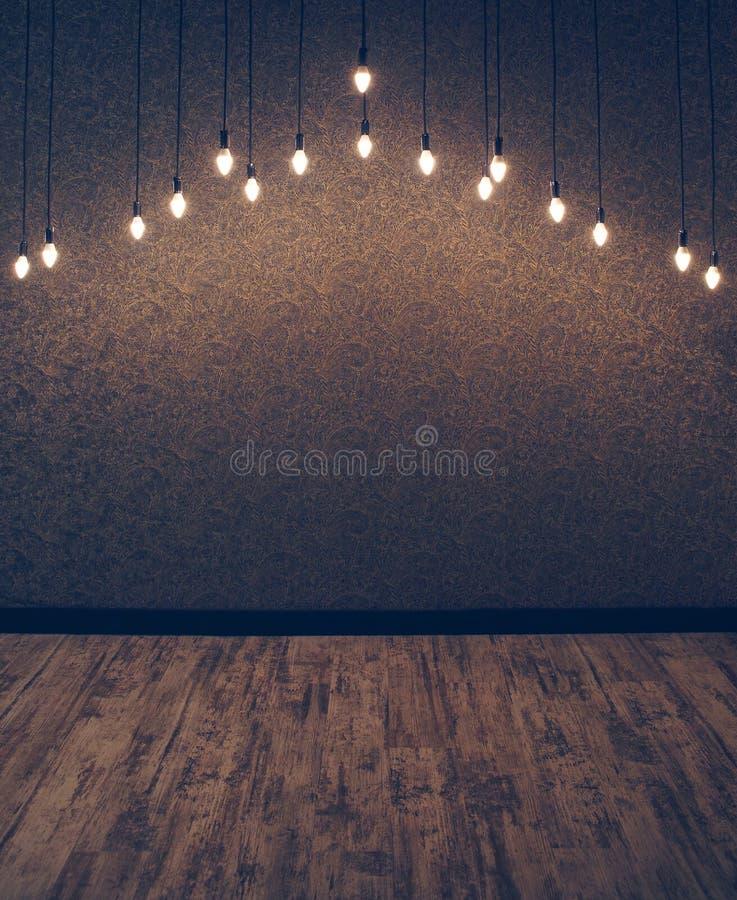Комната при винтажные обои и электрические лампочки вися от потолка стоковое фото