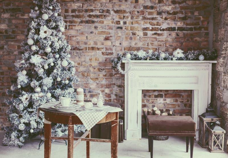 Download Комната рождества просторной квартиры Стоковое Изображение - изображение: 77123801