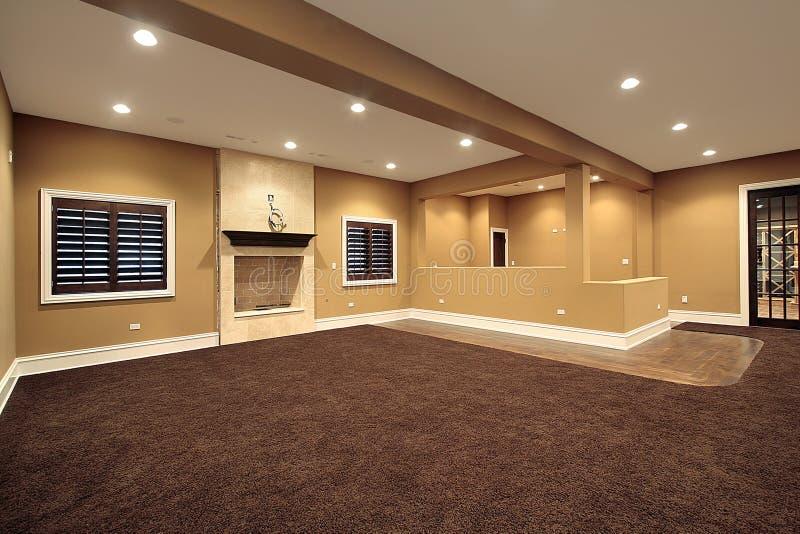комната семьи ровная более низкая стоковое изображение rf