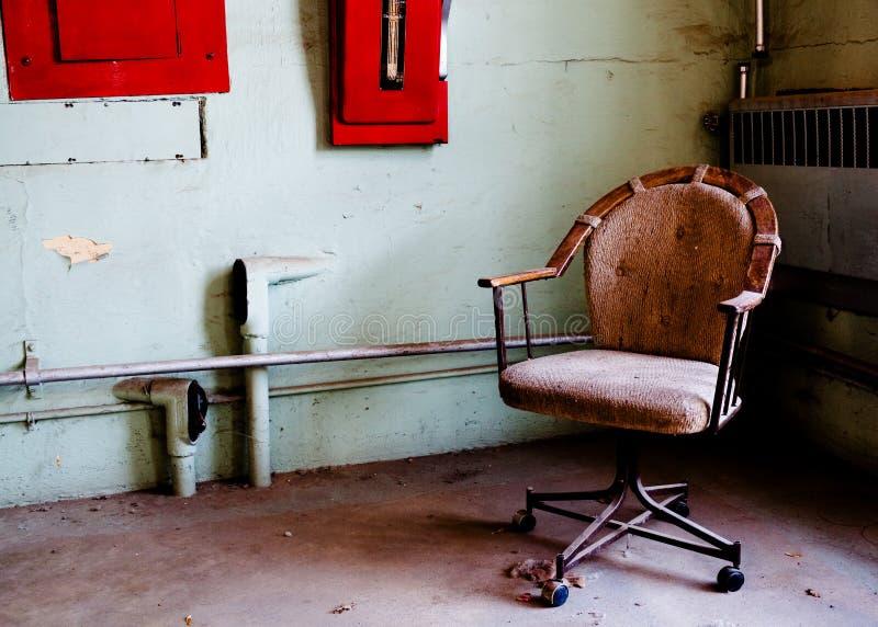 комната тюрьмы офиса стула стоковое фото rf