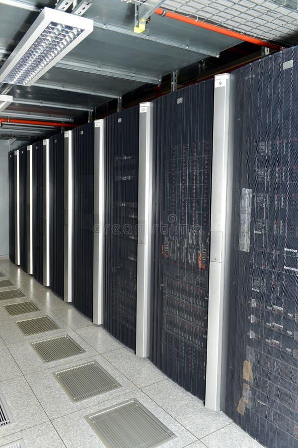 Комната/центр данных сервера стоковые фотографии rf