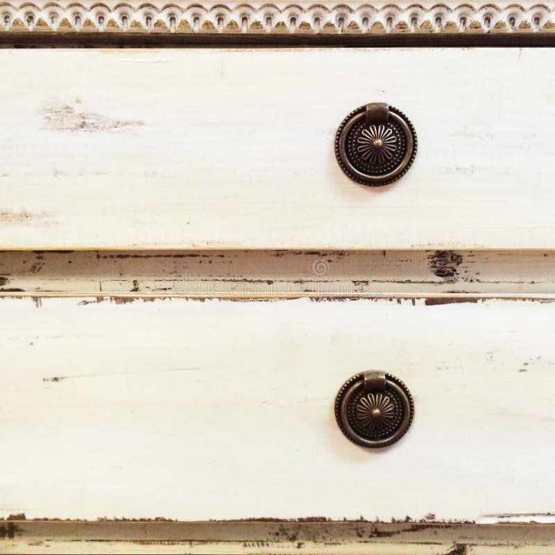 Комод старого стиля ящиков стоковое изображение rf
