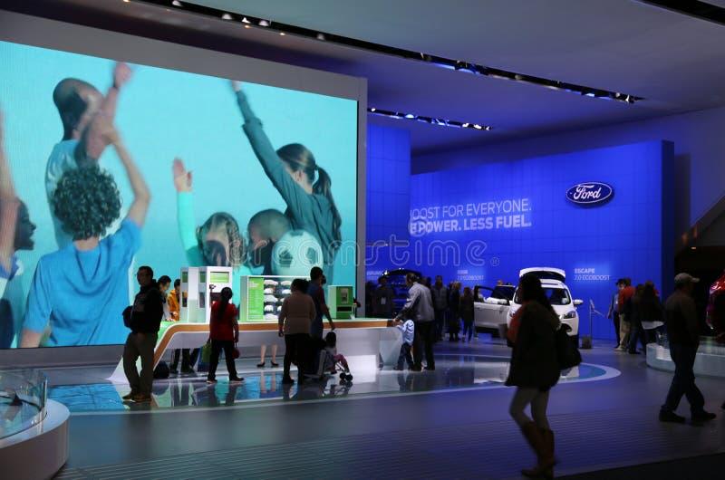 Компания компании Форд Мотор на автосалоне стоковое изображение