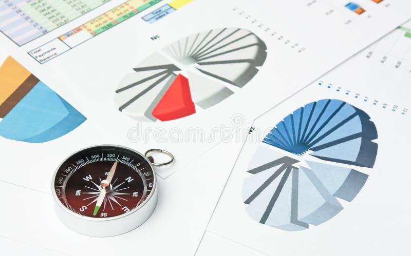 компас и обработка документов стоковое фото