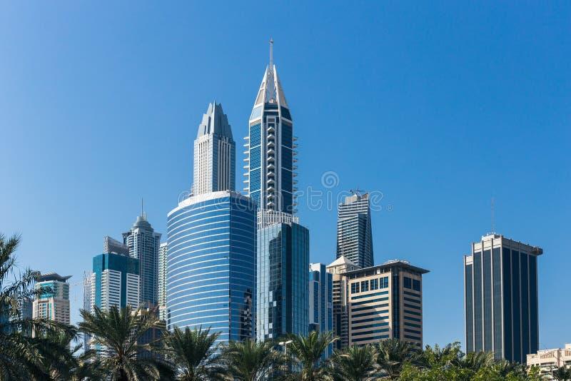 Комплекс современных зданий в Дубай ОАЭ стоковые изображения rf