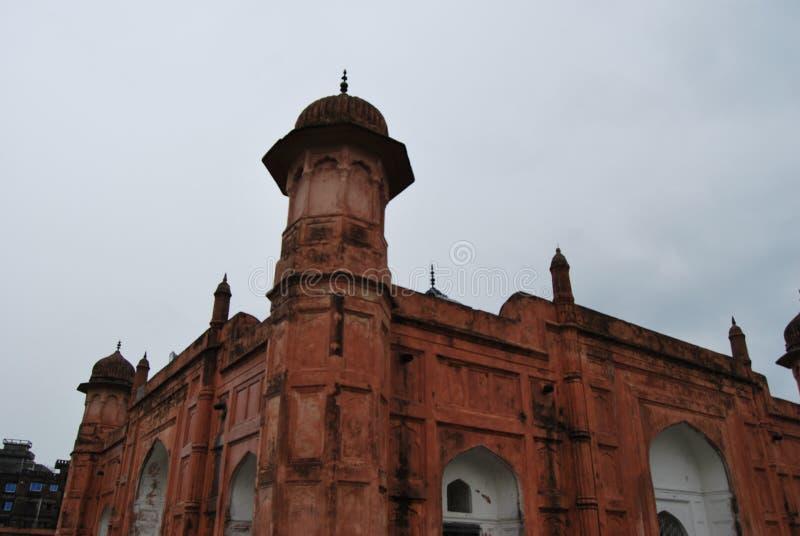 Комплекс форта Lalbagh kellaMughal который стоит перед рекой Buriganga стоковые изображения