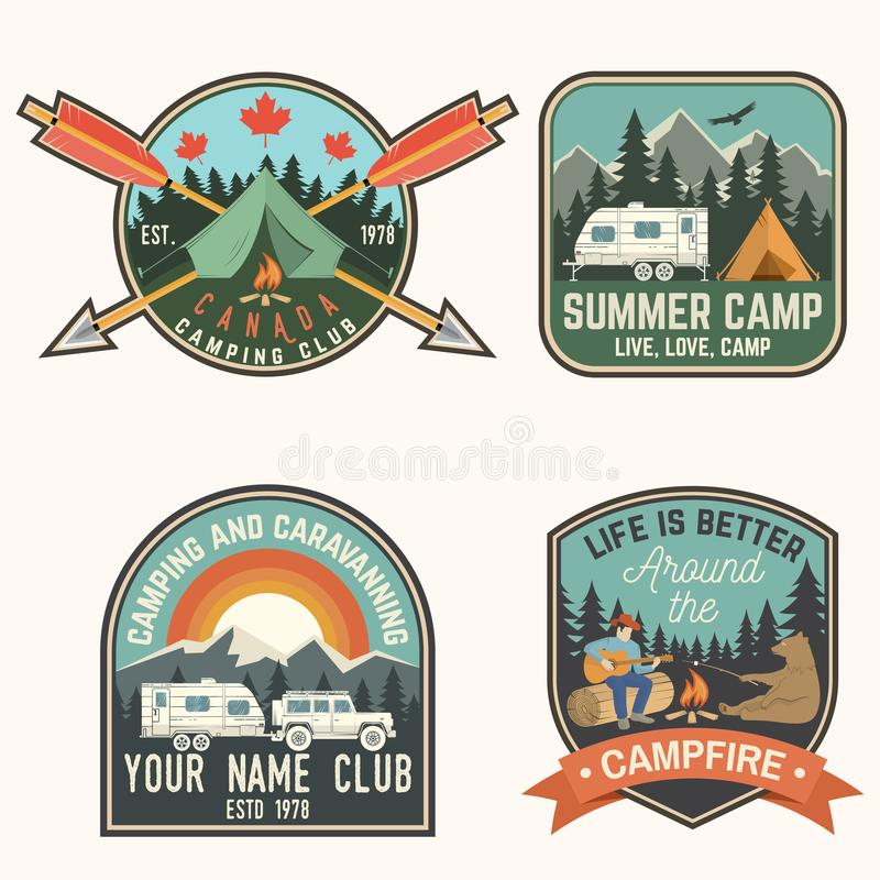 Комплект значков летнего лагеря вектор Концепция для рубашки или логотипа, печати, штемпеля, заплаты или тройника иллюстрация штока