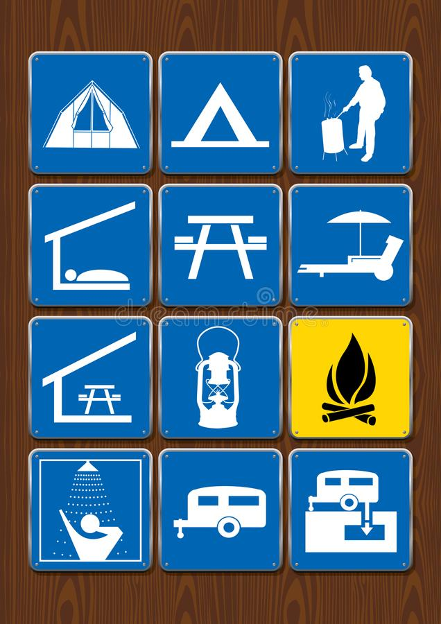 Комплект значков мероприятий на свежем воздухе: шатер, площадка для барбекю, укрытие, есть зону, фонарик, лагерный костер, ливень иллюстрация вектора