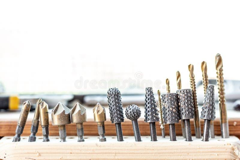 Комплект инструмента работы по дереву конца-вверх набор зенковки заусенца Терпуг-файла Концепция мастерской woodworking плотничес стоковое изображение