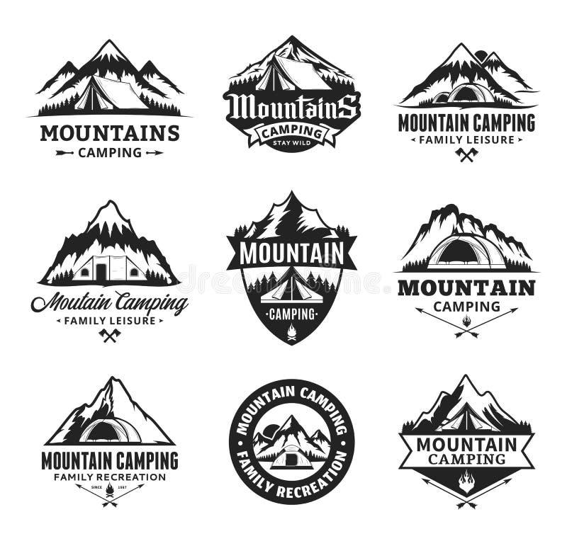 Комплект логотипа горы вектора располагаясь лагерем иллюстрация штока