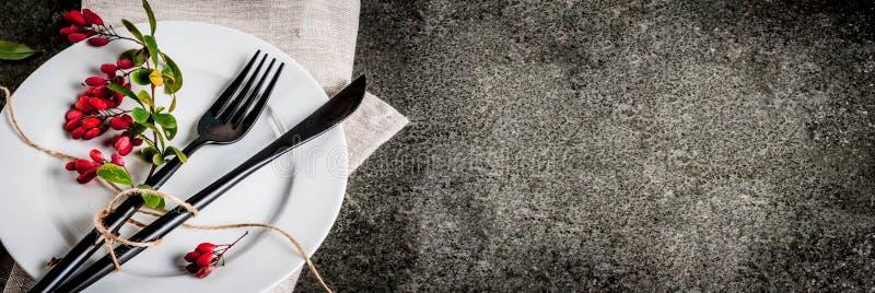 Комплект столового прибора с украшением осени стоковое фото