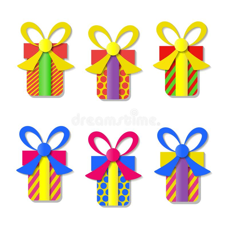 Комплект цветастых коробок подарка вектора с смычками и тесемками иллюстрация штока