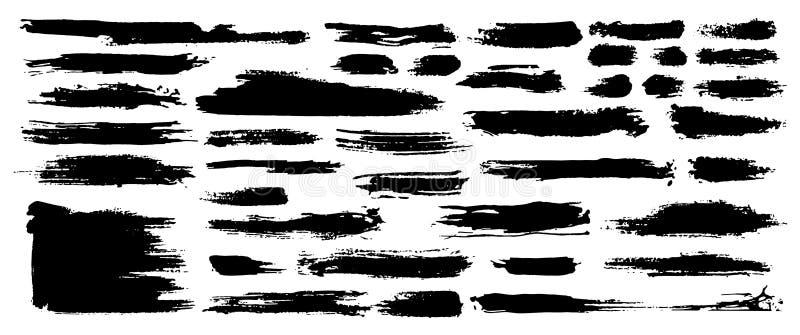 Комплект черной краски, ходов щетки чернил, щеток, линий Пакостные художнические элементы дизайна grunge вектор бесплатная иллюстрация