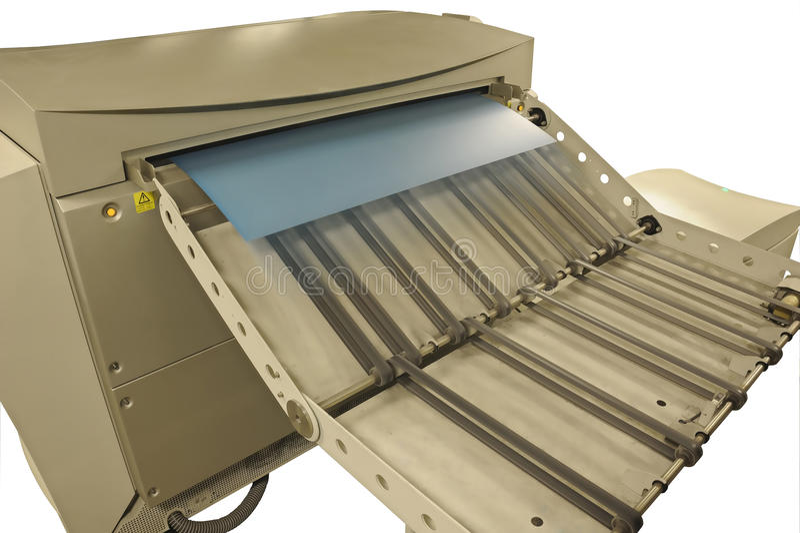 Компьютер, который нужно покрыть (CTP) изолировал в белой предпосылке стоковое фото