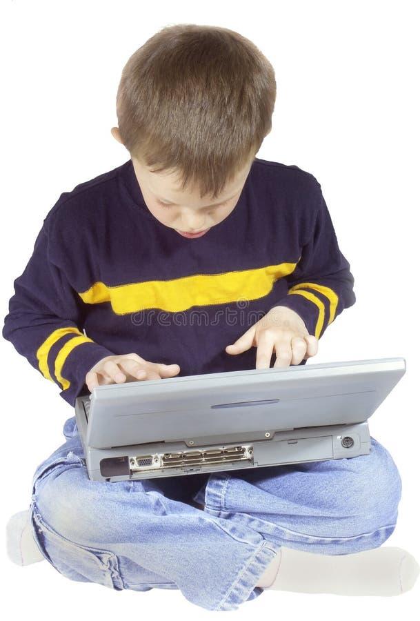 компьютер мальчика стоковые фотографии rf