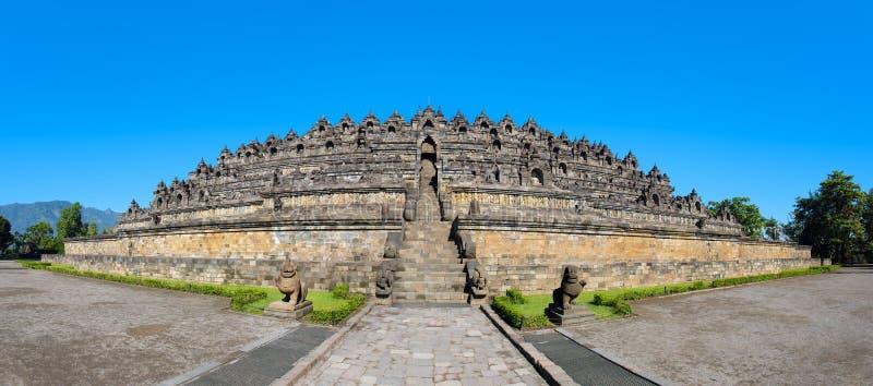 Комплекс виска Borobudur панорамы, Yogyakarta, Индонезия стоковые фото
