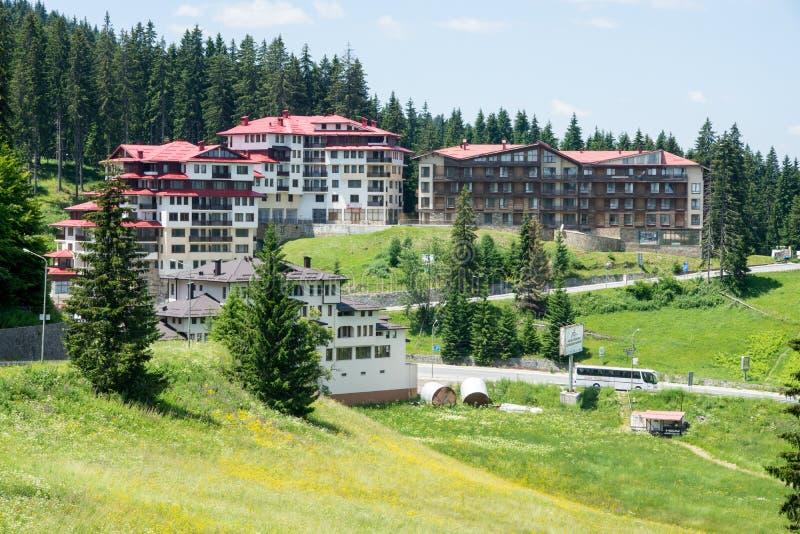 Комплекс праздника в горах Rhodope Pamporovo, Болгария стоковое изображение
