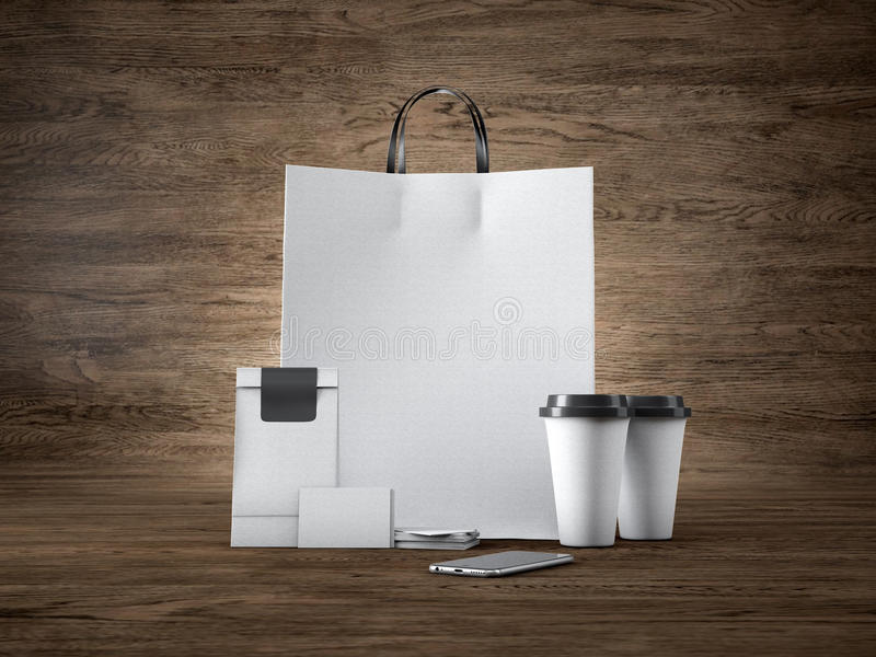 Комплект белой хозяйственной сумки ремесла, 2 кофейных чашек стоковые фото
