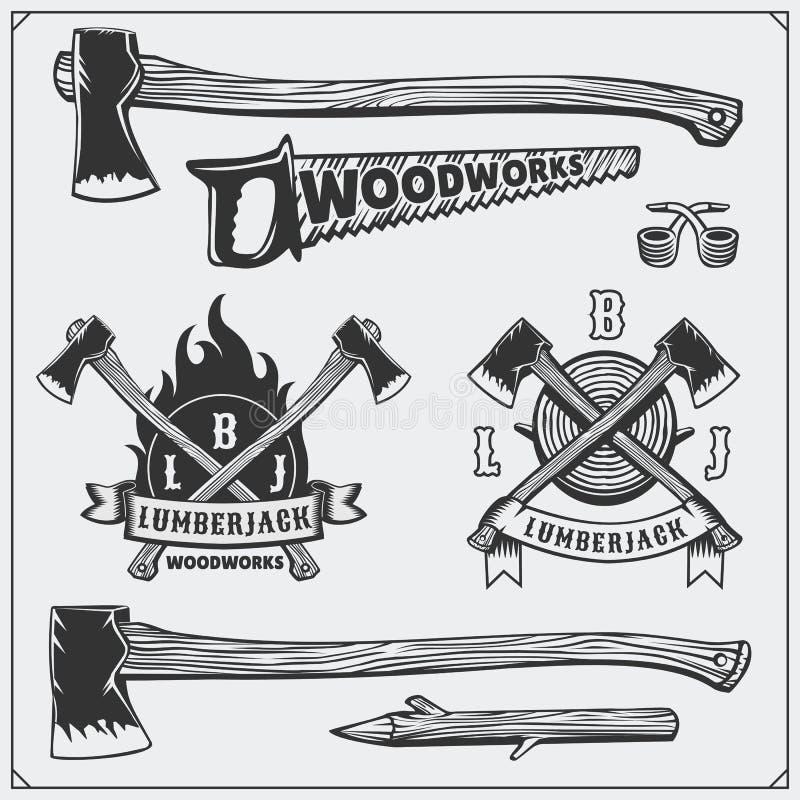 Комплект вектора винтажных логотипов Lumberjack, ярлыков, эмблем и элементов дизайна Оси и пилы бесплатная иллюстрация