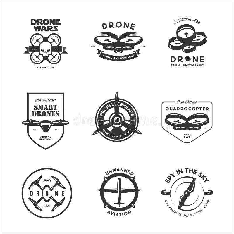 Комплект вектора ярлыков клуба летания трутня, значков, элементов дизайна